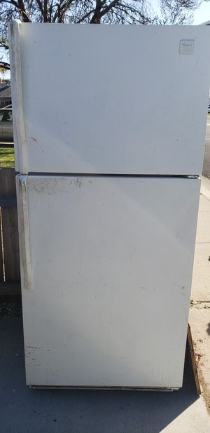 FREE-Refrigerator/freezer-FREE for Sale in Manteca, CA