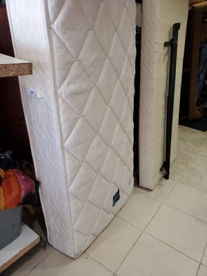 Twin size bed frame mattress and box springs bedroom set for Sale in Hollywood, FL