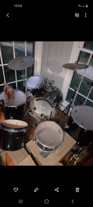 Vintage Ludwig drum setPRICE DROP) must go for Sale in Stone Mountain, GA