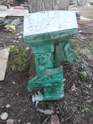 50 horse Evinrude Lark runs good just don't look good for parts for Sale in Sullivan, MO