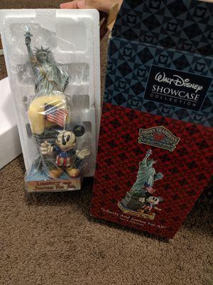 Disney showcase collection statue for Sale in Largo, FL