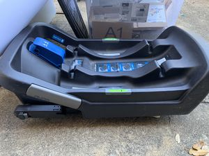 Nuna baby Nuna pupa car seat base for Sale in Dallas, TX