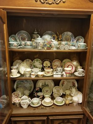 32 matching vintage tea cups and matching saucers lot for Sale in Tucson, AZ