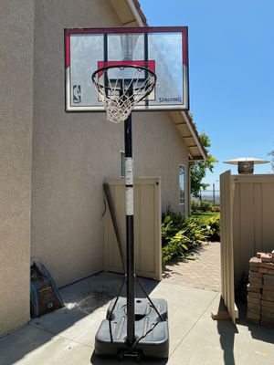 Spalding basketball court / basketball hoop for Sale in Montclair, CA