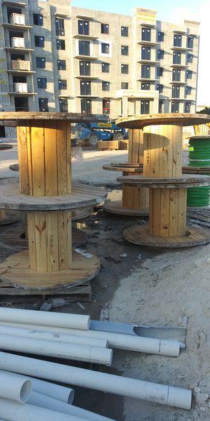 Backyard tables for Sale in Pembroke Pines, FL