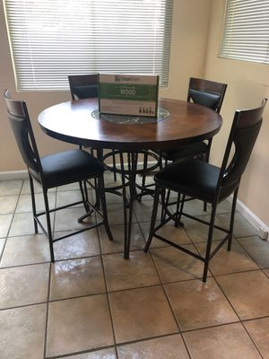 Breakfast/dinner table, 4 chairs for Sale in Sterling Heights, MI
