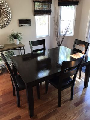 Dining Room Table & Chairs for Sale in Anaheim, CA
