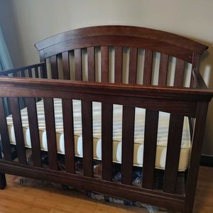 Crib And Changing Table for Sale in Whittier, CA