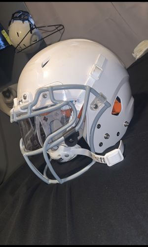 schutt football helmet for Sale in Amarillo, TX