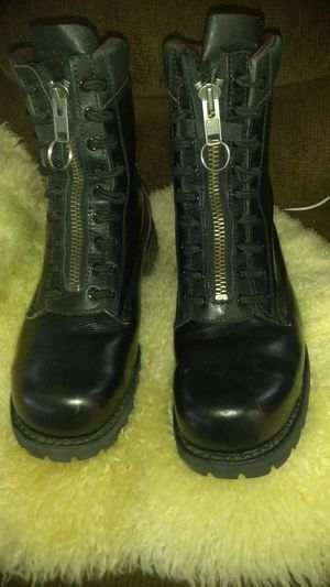 Men's Black Chippewa Work Boots Size 11W for Sale in San Diego, CA