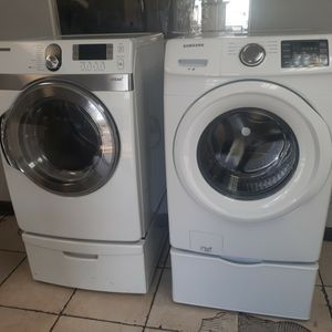 White Samsung Front Load Washer & Dryer for Sale in Pompano Beach, FL