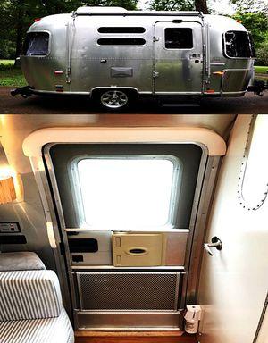 2OO8 Airstream 16ft Bambi Ocean Breeze for Sale in San Bernardino, CA