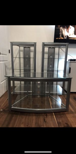 Tv Stand/ Entertainment Center for Sale in Los Angeles, CA