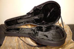 Gator GL-Dread-12 Jumbo Acoustic Guitar Case for Sale in Bellevue, WA