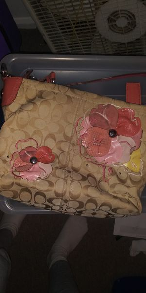 Coach hand bag used for Sale in Indianapolis, IN