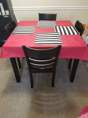 4 seater dining set for Sale in Bellevue, WA