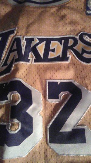 La Lakers magic Johnson jearsey for Sale in Ravenna, OH