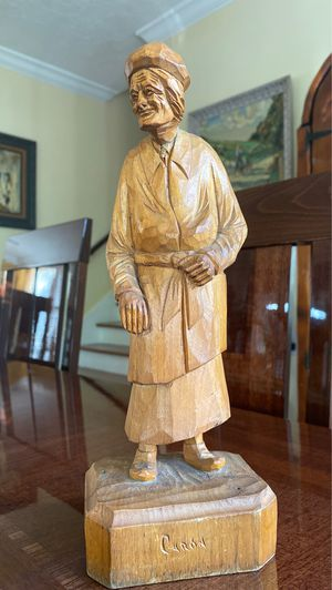 Hand carved wood statue 11 inches tall for Sale in West Palm Beach, FL
