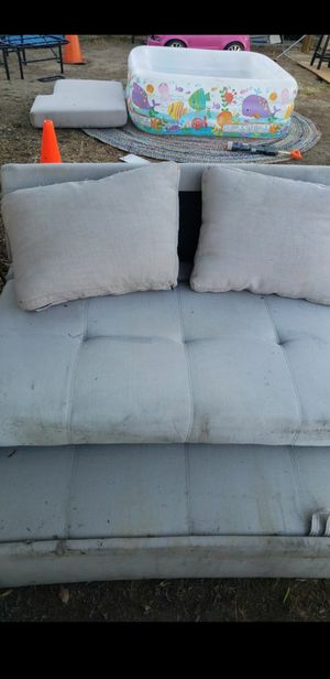Free couch seat for Sale in Modesto, CA