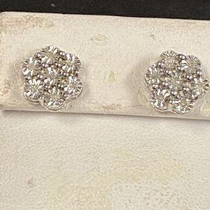 Diamond Lady's Earrings for Sale in Trenton, MI