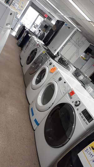 Lg white front load Electric dryer excellent condition like new for Sale in Laurel, MD