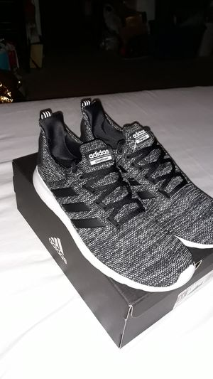 Mens Adidas shoes size 11 for Sale in San Jacinto, CA