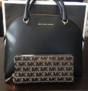 Michael kors purses for Sale in North Las Vegas, NV