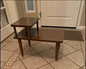 Mid century 2tier side table for Sale in Manteca, CA