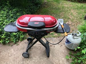 Coleman grill in great condition . Moving sale! for Sale in Fairfax, VA