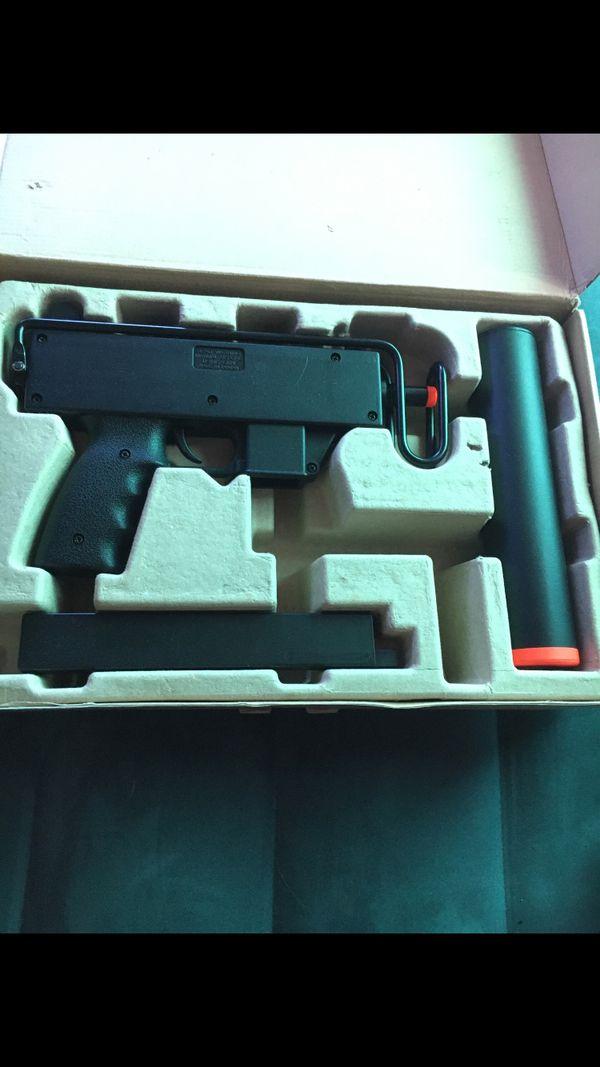 Air soft bull pup 230 submachine gun