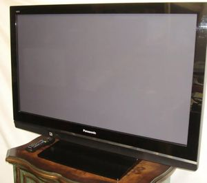 2009 Panasonic 42 inch plasma HDTV for Sale in Los Angeles, CA