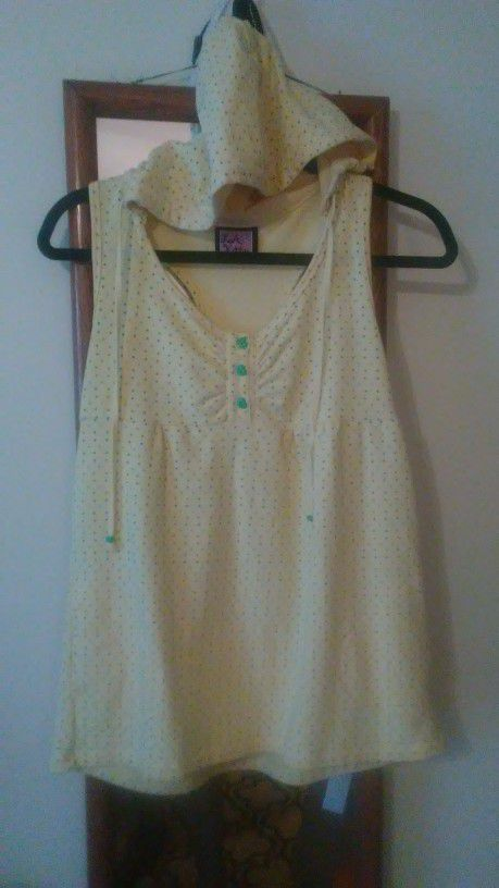 CLOTHES, BLOUSE HOODIE - Gentlyworn cute yellow with green heart-shaped buttons.