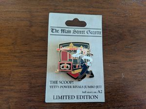 Disney LE pin 1500 the main street gazette the scoop with Goofy for Sale in Glendale, AZ