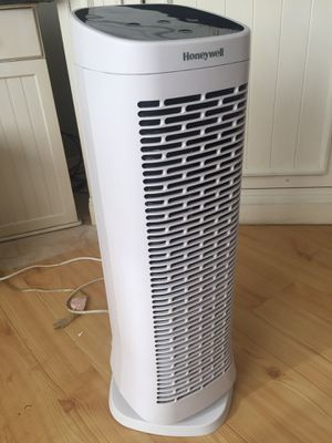 Honeywell air purifier for Sale in Puyallup, WA
