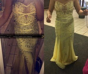 Prom dress size 6 worn once for Sale in Malden, MA