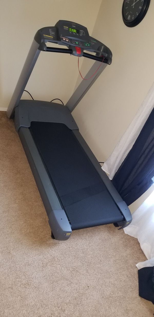 Precor 932 commercial treadmill