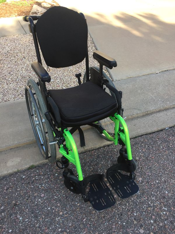 Beautiful wheelchair like new for Sale in Colorado Springs, CO - OfferUp