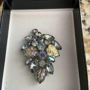 Weiss Vintage Cluster Brooch for Sale in Bradenton, FL