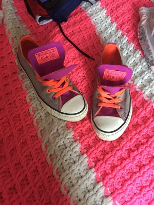Size 2 Converse for Sale in Pittsburgh, PA