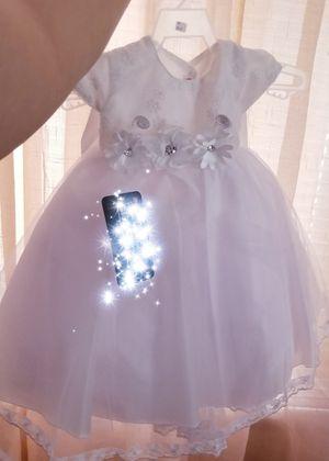 Dress Vestido presentacion nuevo $30 obo biene con tiara es desde recien nacida a 6 meses se ajusta - dress for babygirl for Baptism or event for Sale in Chicago Heights, IL