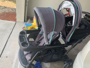 Graco sit & stand double stroller for Sale in Poinciana, FL