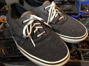 Vans shoes men's size 7 (women's 8.5) for Sale in Ventura, CA