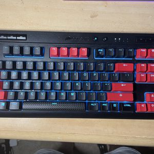 Corsair K63 Wireless With Upgrades Keycaps for Sale in Tacoma, WA