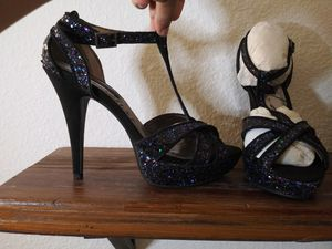 New woman's shoes heels size 8.5 for Sale in Niederwald, TX