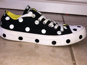 White/Black/Yellow polka dot converse low top. Size 7 womens for Sale in Poinciana, FL
