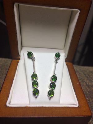 Green peridot, sterling silver tear drop earrings. for Sale in Martinez, CA