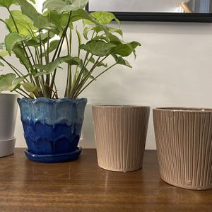 Set Of 2 Brown Plant Pots for Sale in Warwick, RI