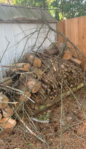 FREE WOOD for Sale in Clackamas, OR