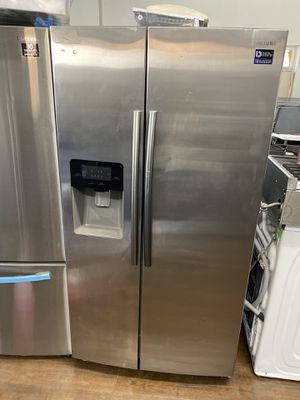 SAMSUNG SIDE BY SIDE REFRIGERATOR STAINLESS STEEL for Sale in Chino, CA