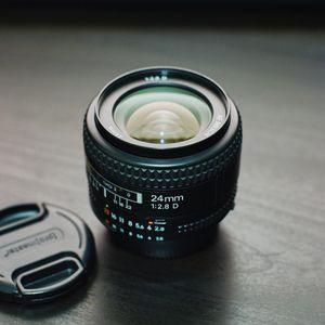 Nikon AF Nikkor 24mm 2.8 D lens, great condition for Sale in Seattle, WA